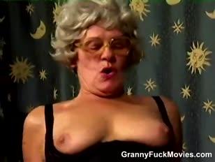 Szőrös nagymama cooter dicked